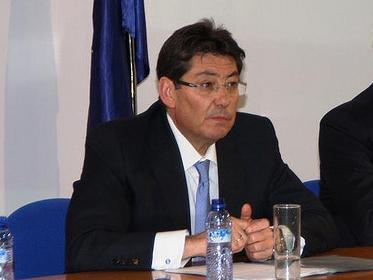 ALIAGA (PAR): EL ADELANTO DE LAS ELECCIONES ERA UNA DEMANDA A VOCES